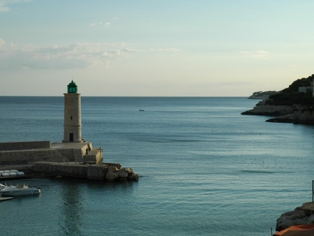 Seafront Luxury Cassis Holiday Apartment on Cote d`Azur, France