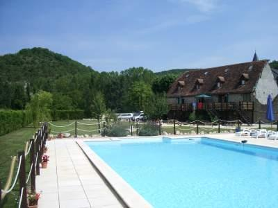 Lot Holiday gites to rent with pool, France, Midi-Pyrenees ~ Iris Gite