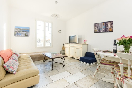 Charming Holiday Rental Apartment near Cannes Croisette and Centre