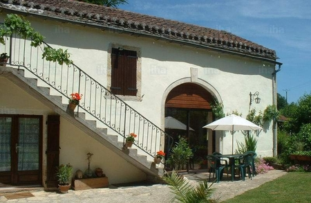 Charming Small Farmhouse in Goujounac, Lot, Midi Pyrenees
