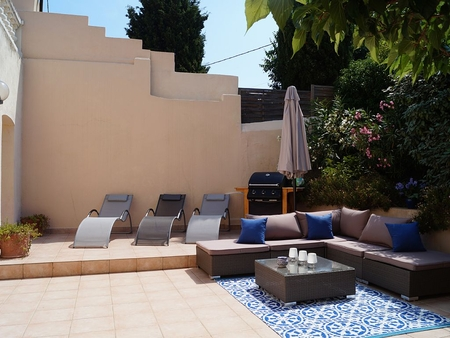 Lovely 2 Bedroom Holiday Apartment in Sanary-sur-Mer, Provence, France