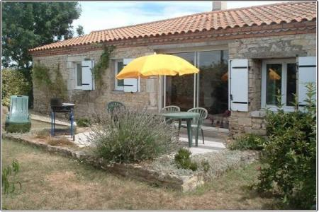 Holiday Rental gite in Poitou-Charentes, near Angles ~ La Racaudiere