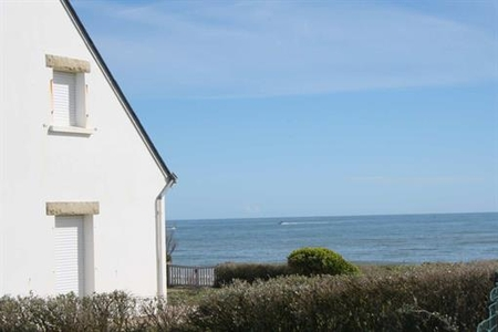HOLIDAY HOUSE FACING THE SEA, SARZEAU, BRITTANY, FRANCE