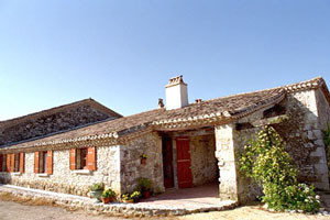 Self Catering Cottage Rental Near Eymet and Bergerac, Dordogne - Le Chai