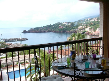 Holiday Rental Flat in Theoule-sur-Mer, France - Great sea view, Sandy beach 50m