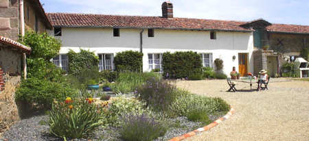 Holiday Farmhouse in Pretty Anjou Countryside, Clere sur Layon, Loire Valley - Le Cerisier