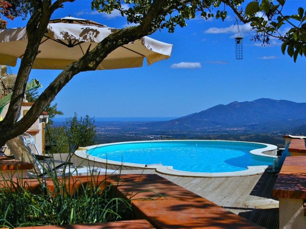 Self Catering Pyrenees-Orientales Holiday Apartment With Large Pool And Stunning Views