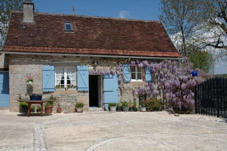 Dordogne Holiday Cottage with Shared Pool, Near Sarlat and Rocamadour, France - Maison de la Cour