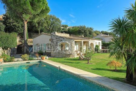 Luxury Saint-Paul de Vence Villa with Private Pool, Breathtaking Sea and Mountain Views