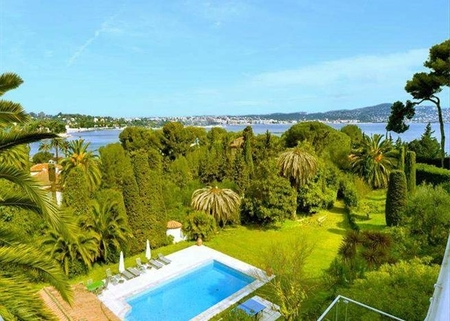Belle Villa - Villa Rental in Antibes, Sea view, Garden with Private Pool, Near the Sea