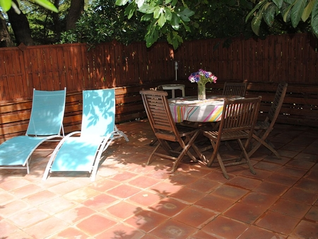 Hyeres Holiday House to Rent in Var, France - Terrace and Garden