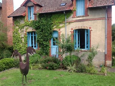 Rural modernised Holiday Cottage with Pool in Allier, Auvergne, France