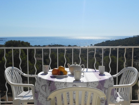 2 Bedroom Apartment with Stunning Sea Views, Cap Esterel, Provence, France