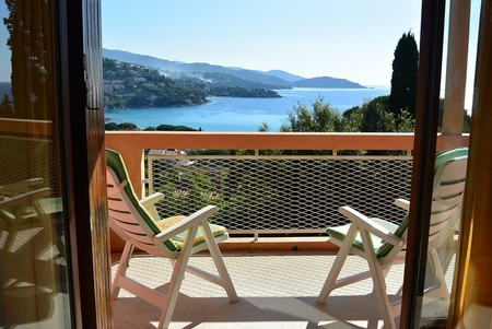 Type 2 Holiday Apartment Rental in Le Lavandou, Var, Provence