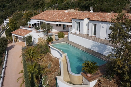 South Facing La Londe-les-Maures Holiday Villa Rental, Near the Valcros Golf