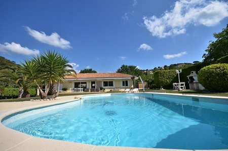 3 Bedroom villa with private pool between Cannes and Grasse