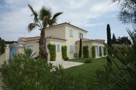 Spacious Sainte-Maxime Holiday Villa Rental with Private Pool - Beau Rivage Villa