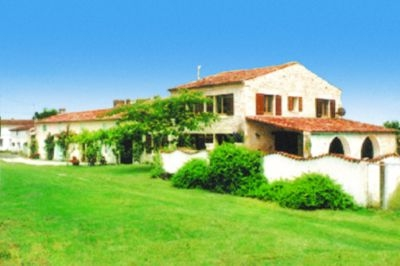 Charente Maritime Holiday Home with Pool, Near Royan and Gemozac, France - THE BARN
