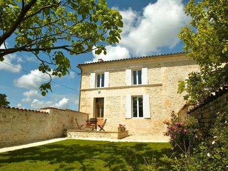 Charente Maritime Holiday Farmhouse with Pool, Close to Beach, Nr Gemozac, France - LE PLATANE