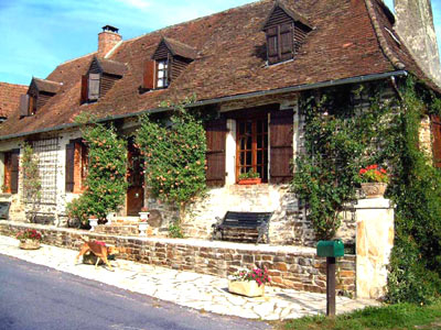 Perigourdin Farmhouse Bed and Breakfast in St Priest Les Fougeres, Dordogne, France - La Boucherie