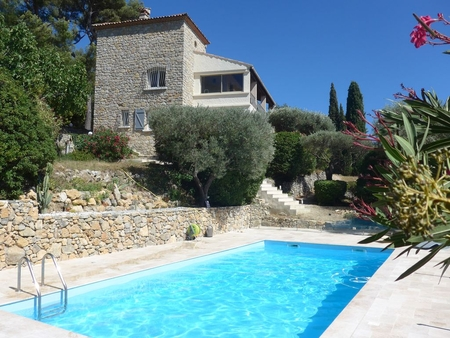 Superb apartment in a Villa with exclusive Pool with Sea views, Provence, France