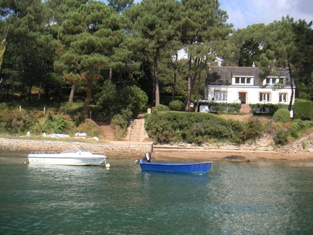 Larmor Baden Holiday House in Morbihan, Brittany, France - Direct Access to Beach
