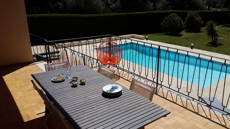 Sanary-sur-Mer House with Pool and Large Garden, 200 m from the beach, France