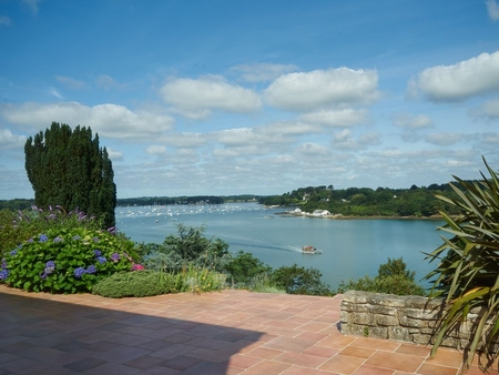 Luxury Arradon Holiday Home with Panoramic views of the Gulf, Brittany