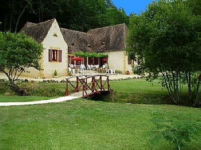 Holiday Apartment with Shared Pool in the Dordogne, France -  Maison Cinq