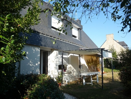 Independent South Facing 3 bedroom Vannes Holiday Rental Apartment, Brittany