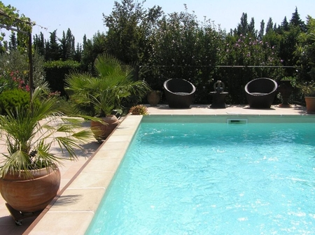 Sarrians Villa with Heated Pool and Optional Studio Rental, Vaucluse, France