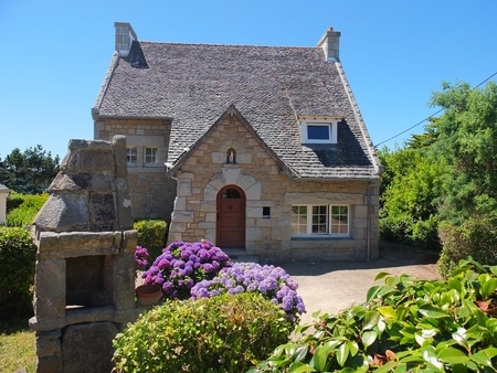 Traditional 4 Bedroom Breton Holiday House, Sea Views - Trebeurden, France