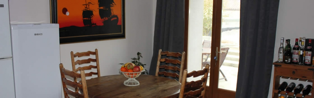 Pon Pon - Self Catering Holiday Home, Aude, France