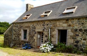 Comfortable 2 bedroom Holiday cottage in Cotes-d'Armor,Plourac'h, France
