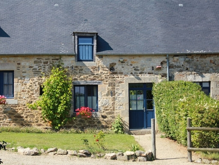 Old restored 2 bedroom Farmhouse Rental, Tregon, France