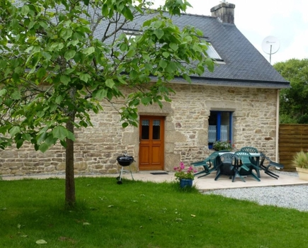 Detached 3 bedroom House in a Hamlet Close to the River Elllee,Guilligomarc'h, France