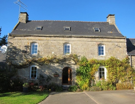 18th Century 4 Bedroom Granite House in Pluguffan, France