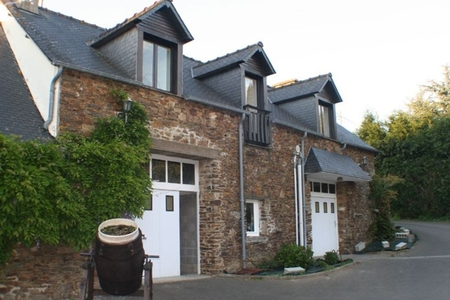 Luxury 3 Bedroom Gite Situated in the Grounds of Le Manoir, Allineuc, Brittany - Gite Julie