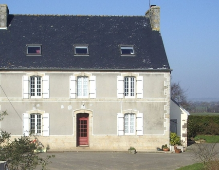 Bed and Breakfast in an Old Beautiful Farm in Monique, Quemeneven, France