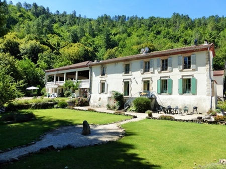 Large gite in south of France Château with pool and river - Château Apartment