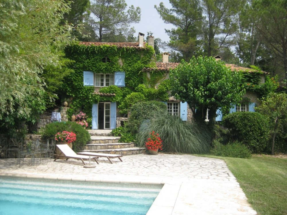 Ancient Farmhouse in a French Medieval Village, with 6 Bedrooms, Seillans, Near Fayence