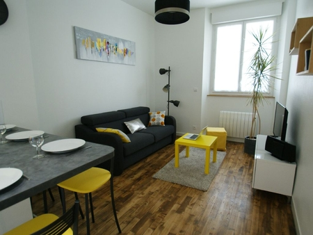 Modern 1 Bedroom Apartment Sleeps 4 Just 100m from the Beach, Saint-Malo