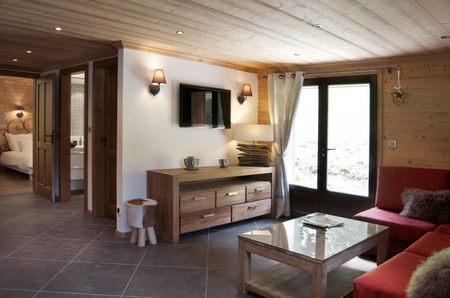 2 Bedroom Stylish Hideaway for Smaller Groups, Morzine, France, Chalet La Petite Ourse