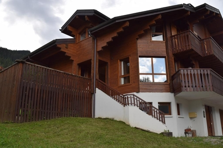 Stunning Ski Chalet Rental 1.9 km from Abondance Ski School in La Chapelle-d`Abondance, France