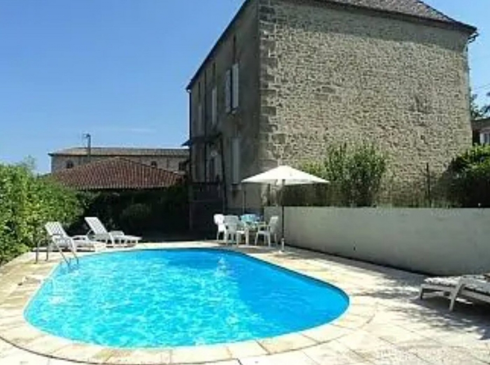 Large Holiday Home With Private Pool in Seyches, Near Marmande