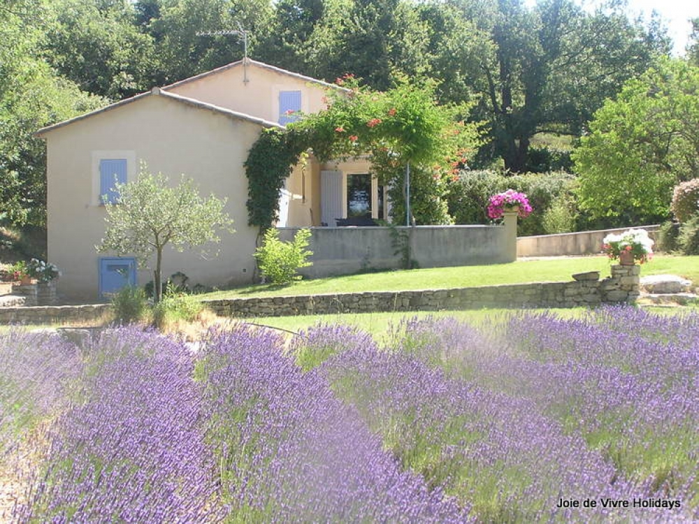 Beautiful 3 Bedroom Holiday Villa with Private Pool and air conditioning, Near Bonnieux, Luberon - Villa St Fleurie