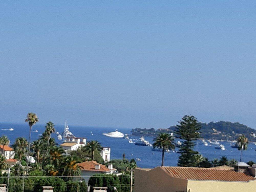 Beaulieu-sur-Mer Holiday Apartment, France - 3 Rooms, Sea Views, Terrace, WIFI, Garage, 300m Beaches, Shared Pool