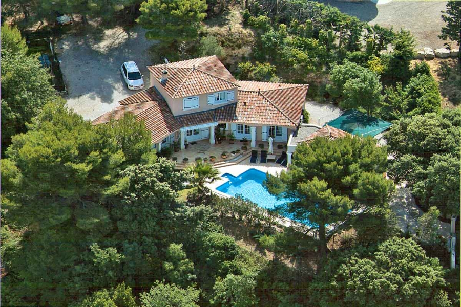 South of France Villa with air-con and pool, walking distance to Languedoc village - Villa Malaika