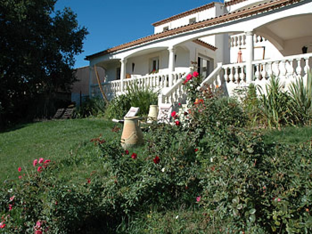 Villa Magalas, Villa Rental near Beziers, Languedoc, Air-Con, Private pool and Walking distance to Village