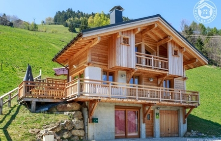 Contemporary Style Chalet, 1 km from Slopes in Beaufort, Areches - Gite Chalet Les Tarines